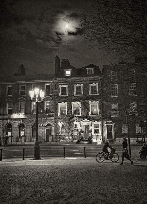 St-Stephen's-Green-Full-Moon